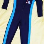 ชุดว่ายน้ำเด็กแนวสปอร์ต สีดำแถบสีฟ้า แขนยาว ขายาว สามารถใส่ได้ทั้งเด็กผู้หญิงและเด็กผู้ชาย เนื้อผ้าดีมาก กันแดด
