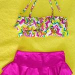 ชุดว่ายน้ำเด็ก สีชมพูลายกราฟฟิก น่ารักสดใส แยกเป็น 2 ชิ้น