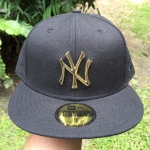 หมวก New Era Metal Badge Gold 59fifty