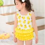 ชุดว่ายน้ำเด็กผู้หญิง ลายเป็ด สีเหลืองขาว พร้อมหมวก