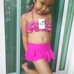 ชุดว่ายน้ำเด็ก สีชมพูลายจุด น่ารักสดใส แยกเป็น 2 ชิ้น