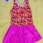 ชุดว่ายน้ำเด็กผู้หญิงสีส้มลายจุด กระโปรงสีชมพู สวย หวาน น่ารัก